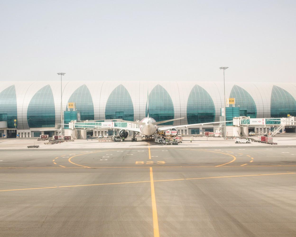 Sean-Fennessy-Dubai-International-Airport_002