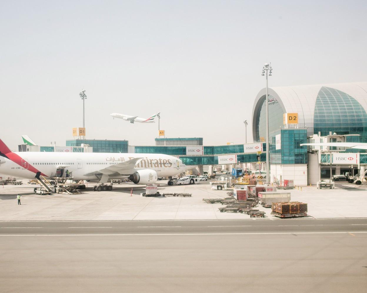 Sean-Fennessy-Dubai-International-Airport_003